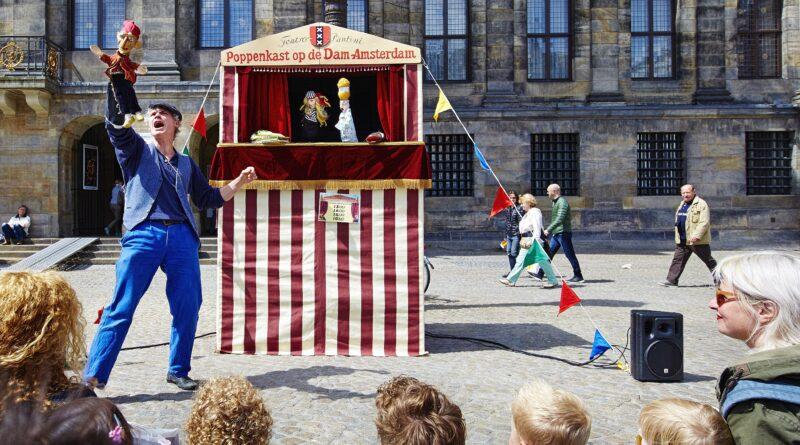 Speciale voorstelling Jan Klaassen en Katrijn in de Troonzaal van het Koninklijk Paleis